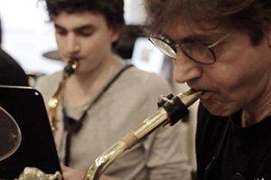 massei plays the sax