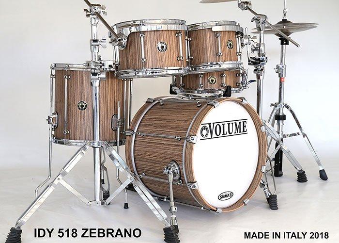 Volume-Drums---a-cura-di-Tullio-Granatello-e-Daniele-Chiantese